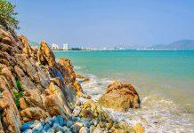 Bãi tắm Vũng dứa có nhiều rặng san hô tuyệt đẹp